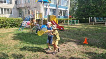 Для вас, родители. Веселые игры летом с детьми.