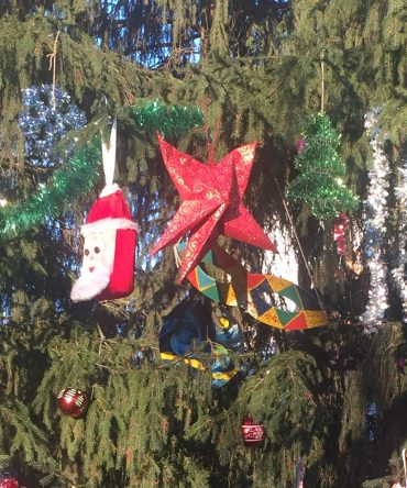 Акция «Нарядим елку на участке детского сада»